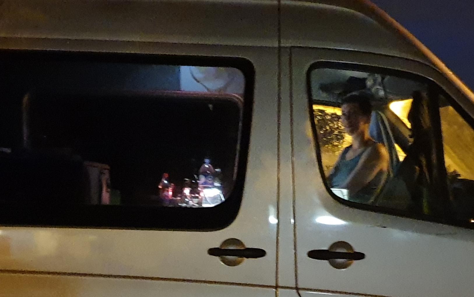 Ursula im Luigi VW Bus