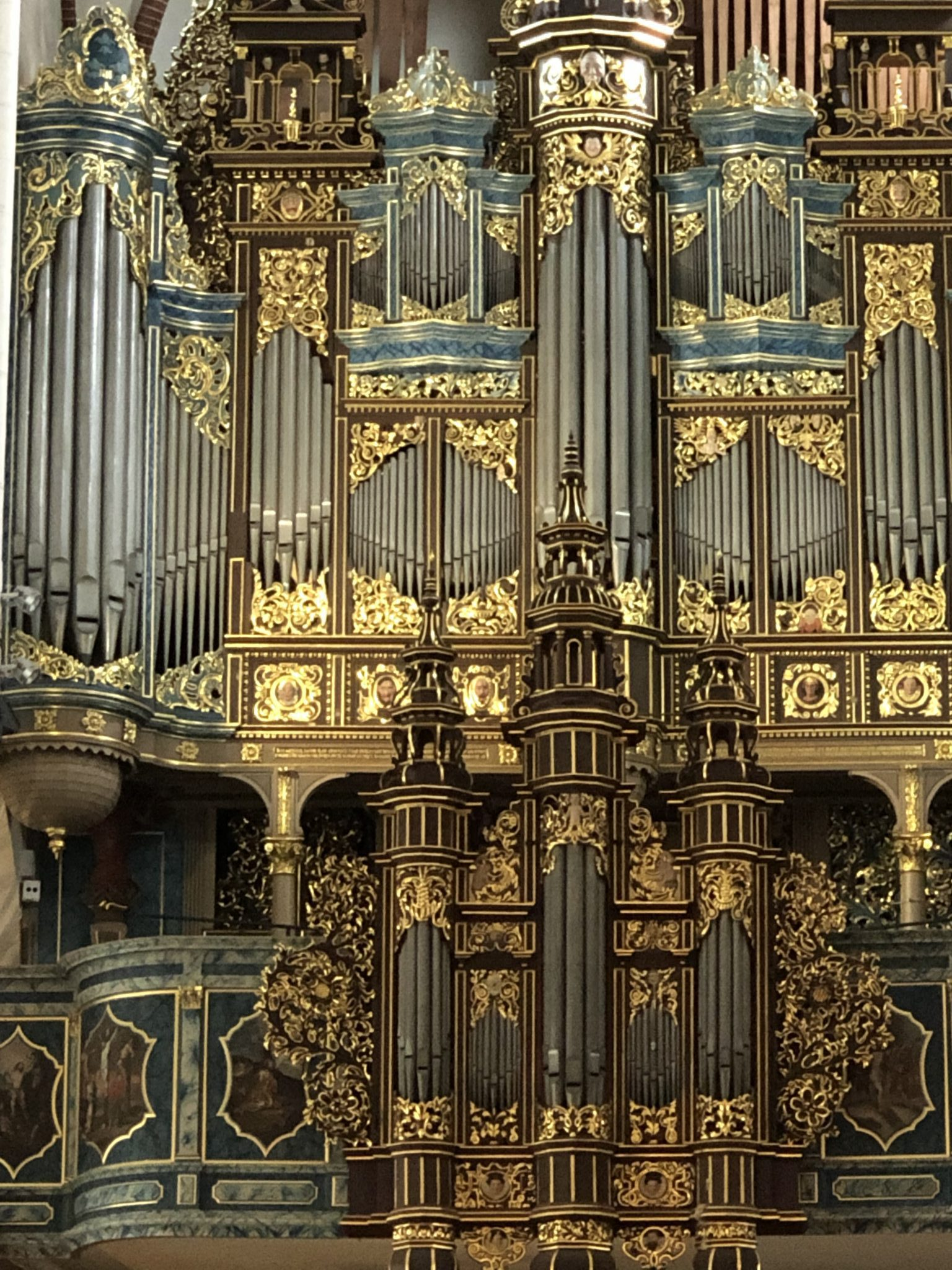 Die goldene Orgel im Dom in Riga