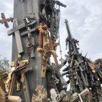 Großaufnahme unseres Kreuzes am Siauliai Berg