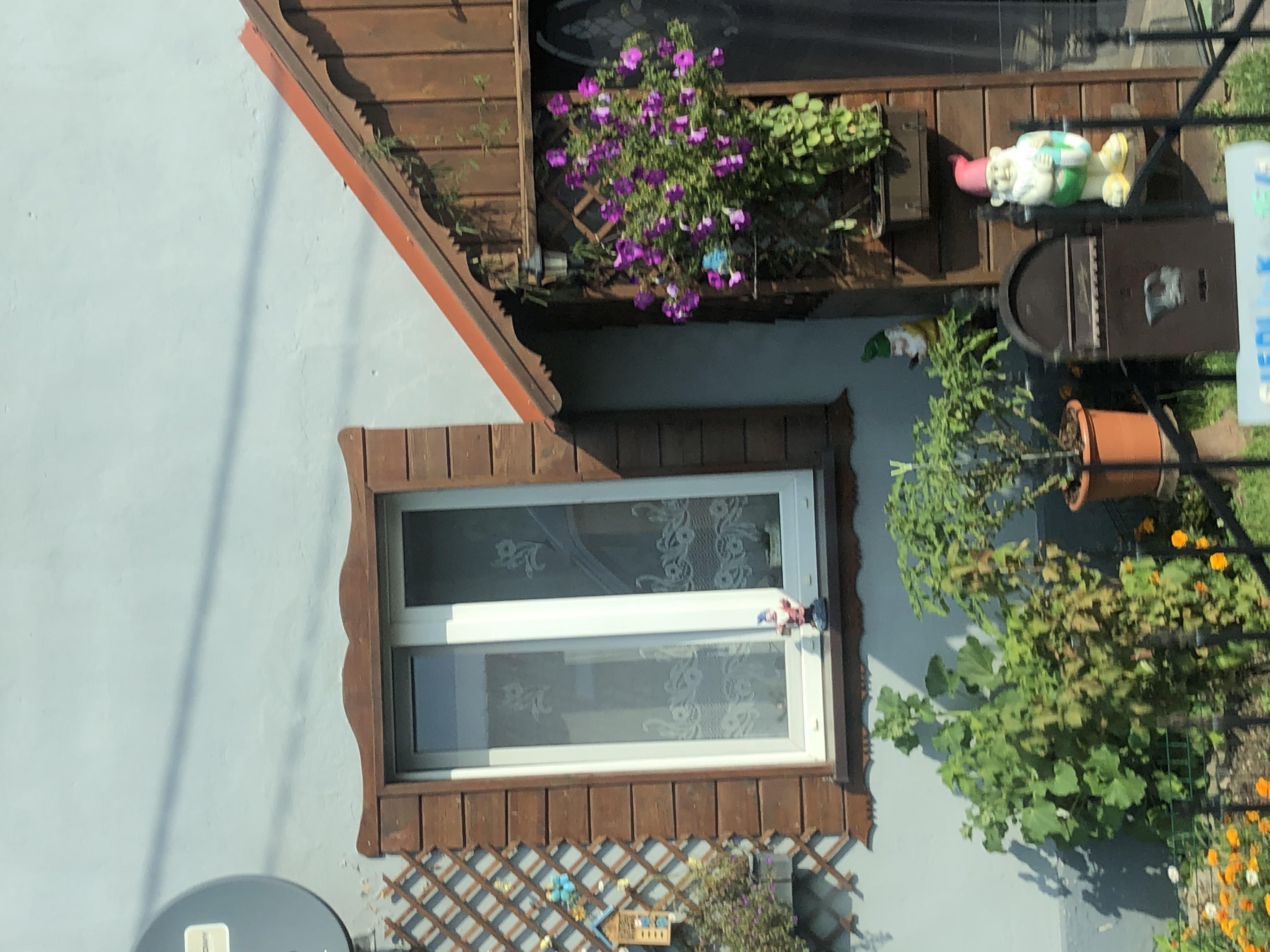 Frontansicht eines Hauses in den Masuren in Polen