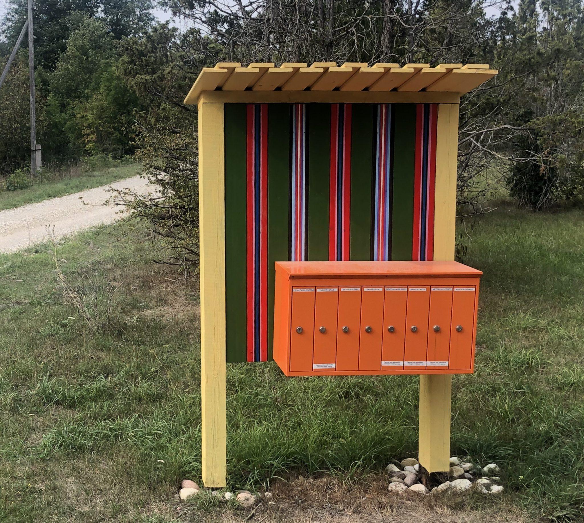 Wohnen im Wald mit Briefkasten auf Hiiumaa