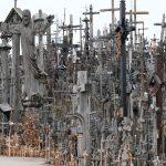 Berg der Kreuze in siauliai mit 200000 Kreuzen